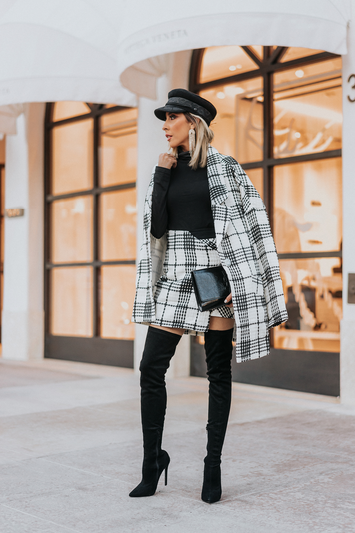 a46fa9ee838 how to wear a black and white plaid
